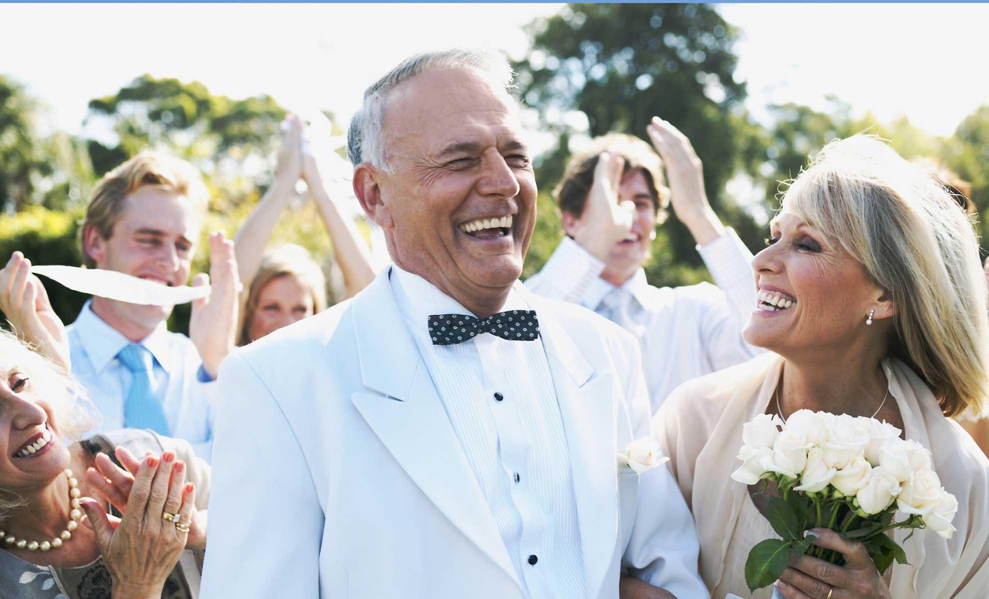 Семейное фото золотой свадьбой