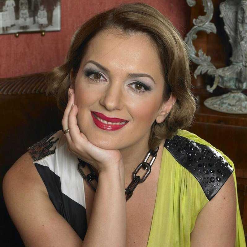 «Горячая штучка!» Новые снимки 43-летней Марии Порошиной взбудоражили Сеть