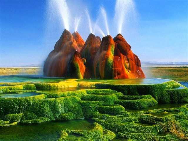 Природа начала создавать свои шедевры задолго до того, как человечество приступило к постройке своего первого сооружения.