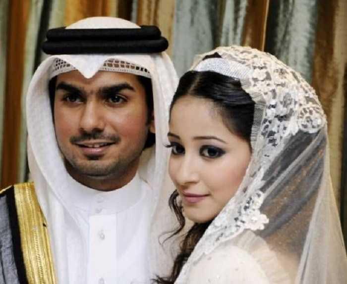arabki-muzh-i-zhena-porno-video-s-zreloy-v-krovati
