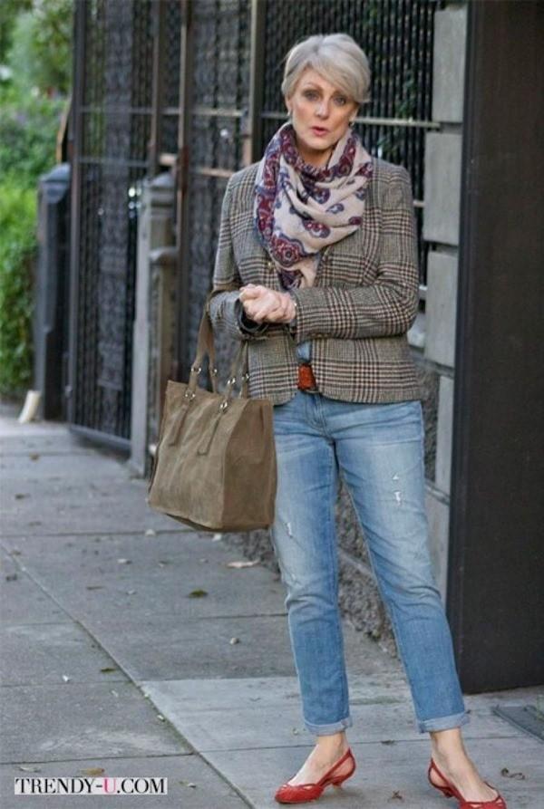 Мода после 50 лет женщина джинсах фото