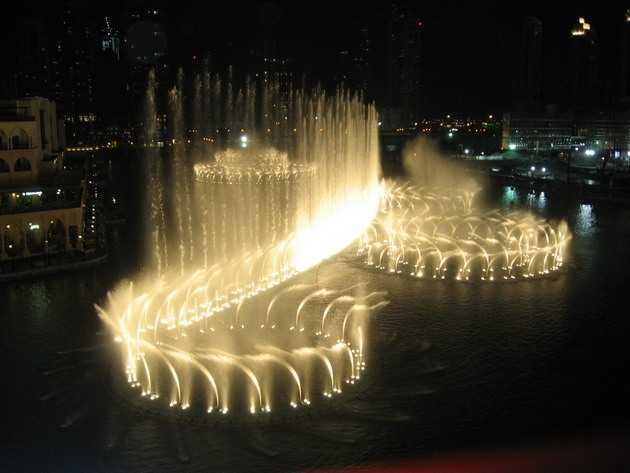 Фонтан в Дубае под песню Уитни Хьюстон. От такой красоты дух захватывает!