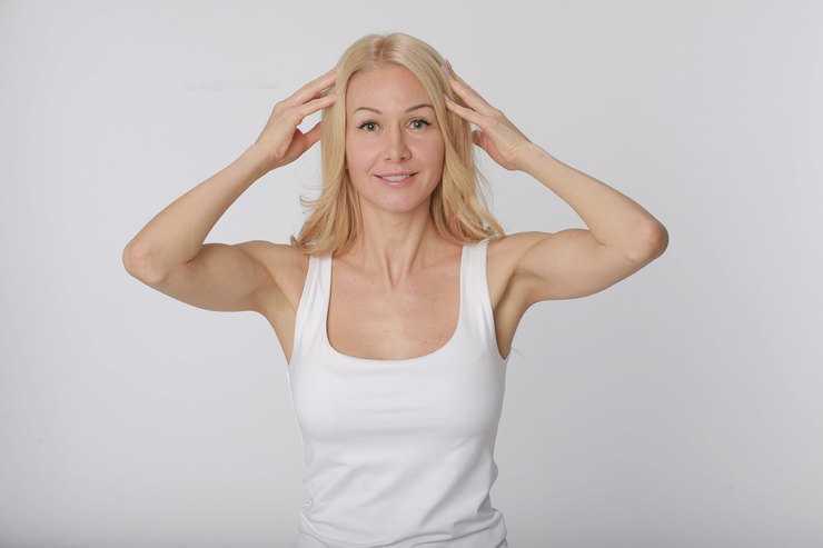 Не хуже ботокса: Топ 5 упражнений для лица, которые сделают вас моложе и красивее