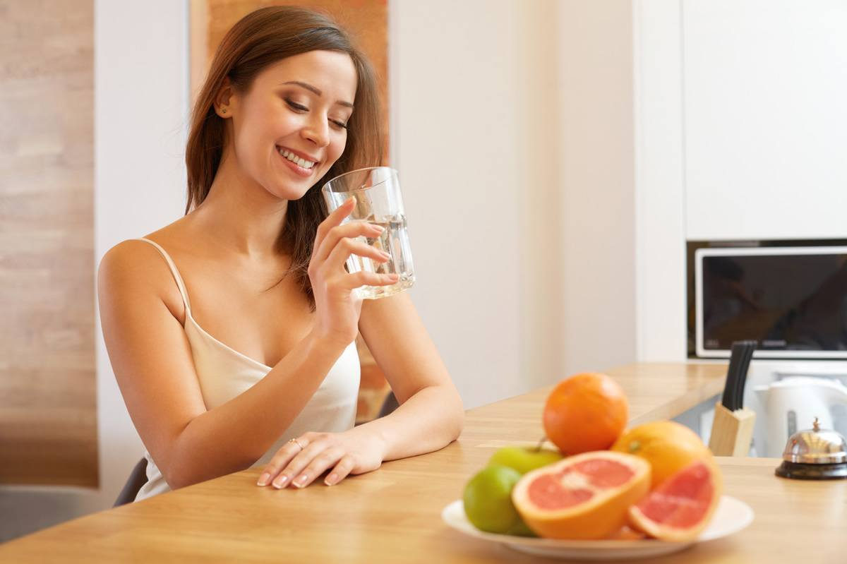 Сварите лимоны вечером и пейте жидкость, когда проснётесь... Вы будете потрясены результатами