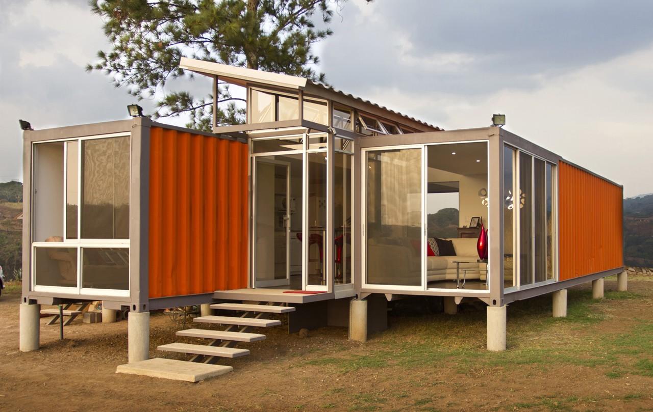 Они смогли построить дом своей мечты, используя всего 3 старых контейнера