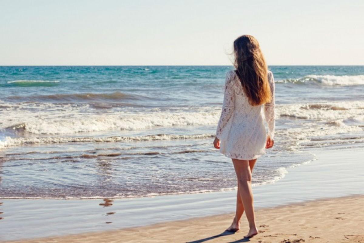 Девушка на отдыхе обнаружила в песке кольцо. Невероятно то, что произошло с ней через три дня