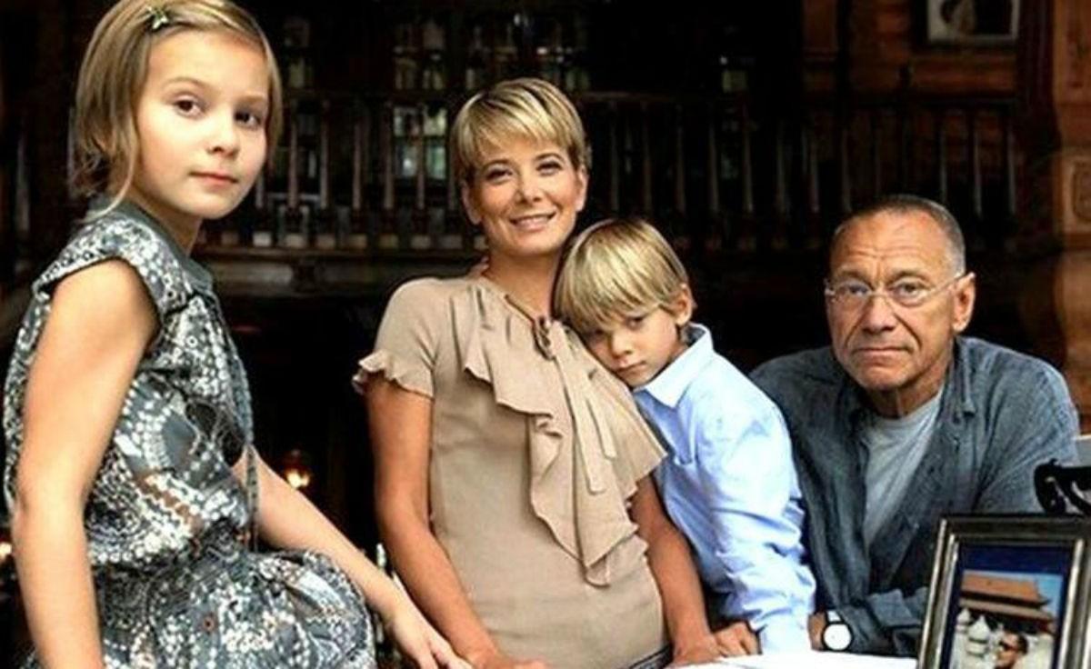 Проснулась от длительной комы дочь Юлии Высоцкой и Андрея Кончаловского