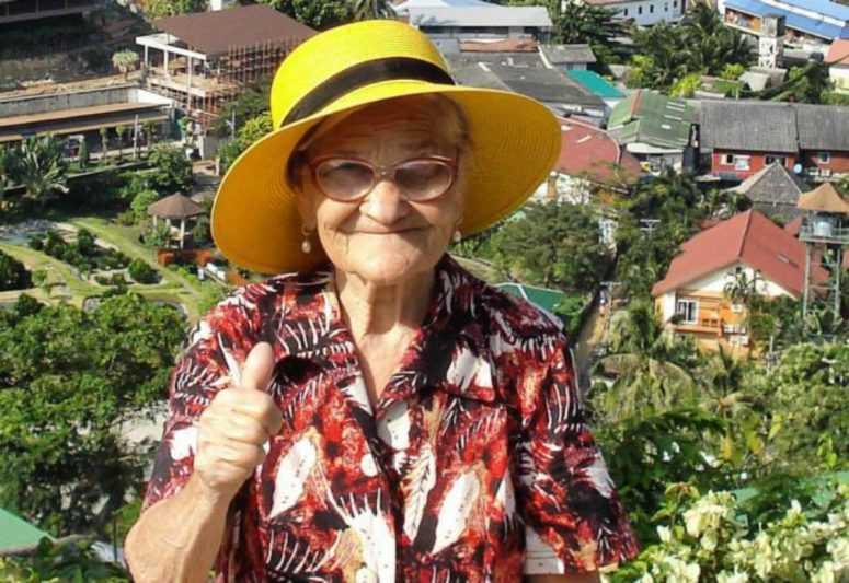 90-летняя бабушка Лена из Красноярска покорила уже Пхукет