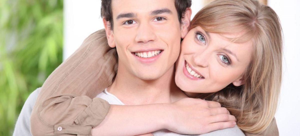Семь причин встречаться с мужчиной младше себя
