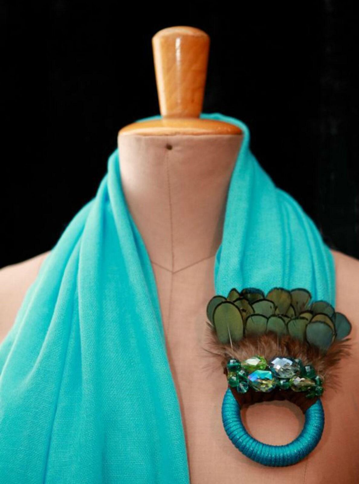 Оригинальные идеи, как превратить обычный шарф в колье