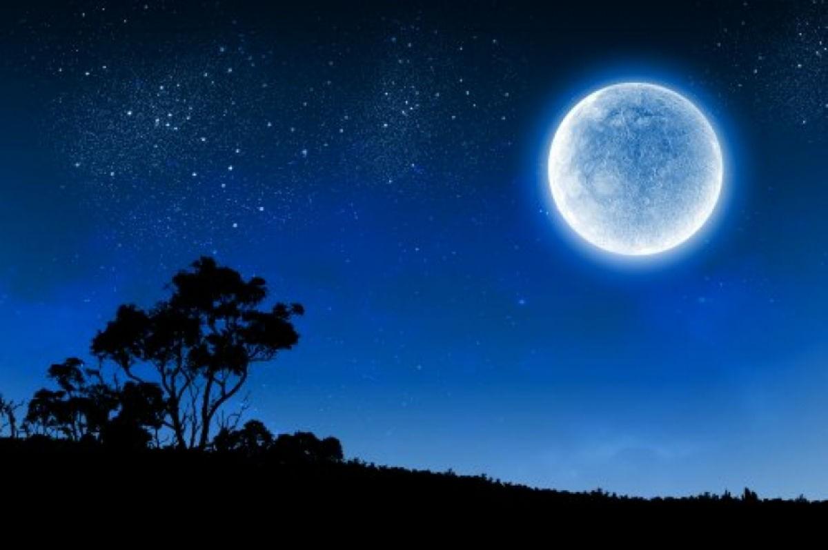 Исчезающая Луна в мае 2018 года
