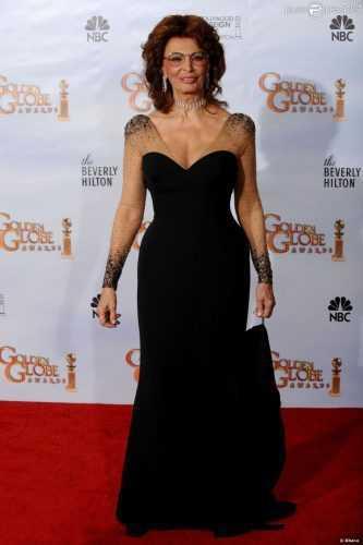Новые фото Софи Лорен поразили всех без исключения. Неужели в 82 года можно выглядеть ТАК?