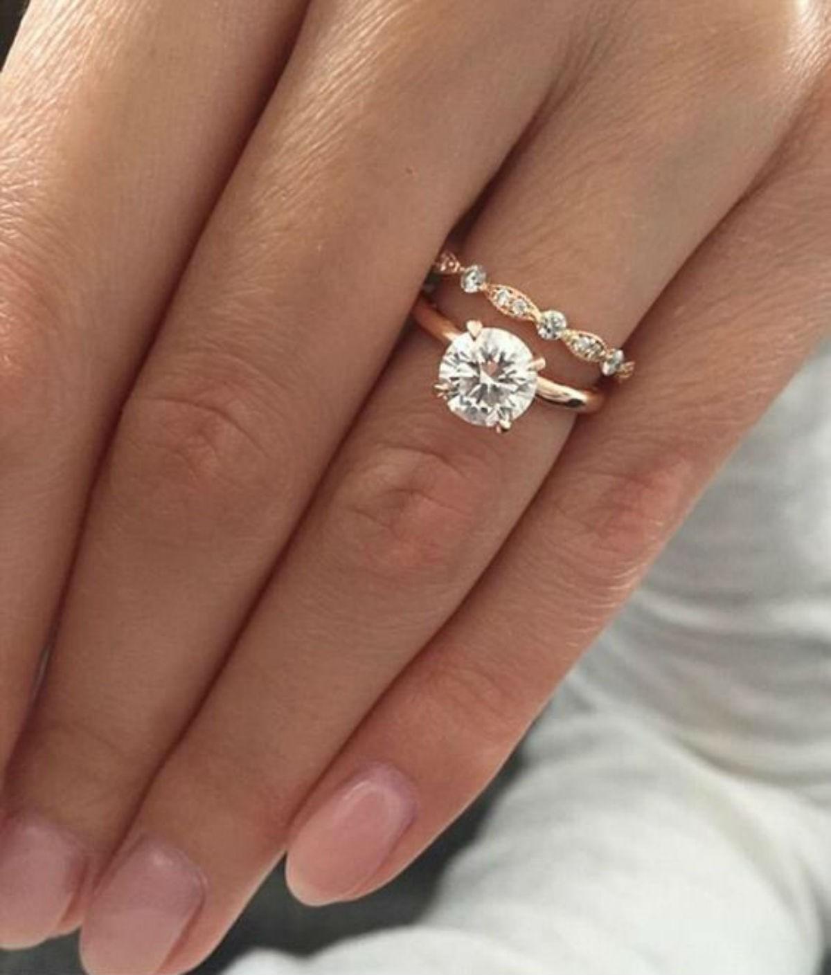 Какое бриллиантовое кольцо наденете на пальчик, такой и видят вас люди