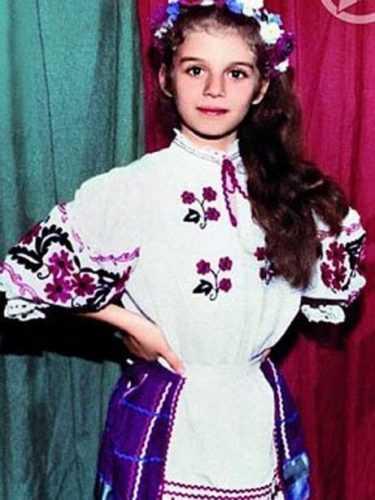 Фото: www.yatrend.ru Анна в детстве